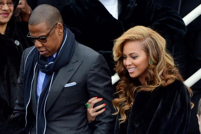 Jay-Z-Beyonce-end-vegan-challenge-with-seafood-dinner