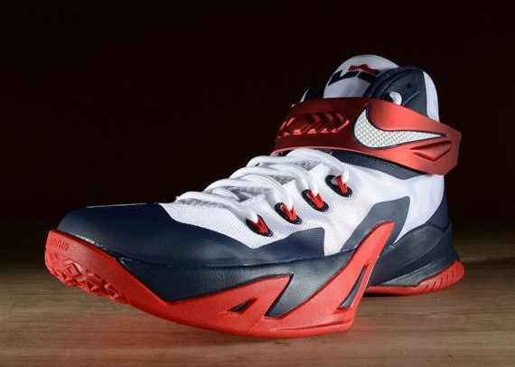 nike-zoom-soldier-8-usa-3