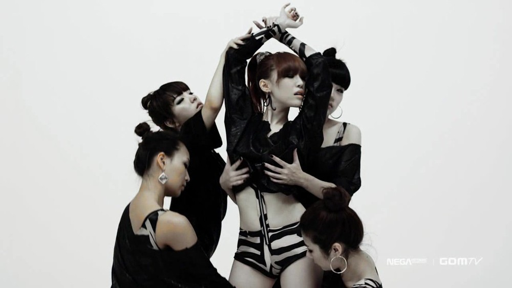 brown eyed girls abracadabra2