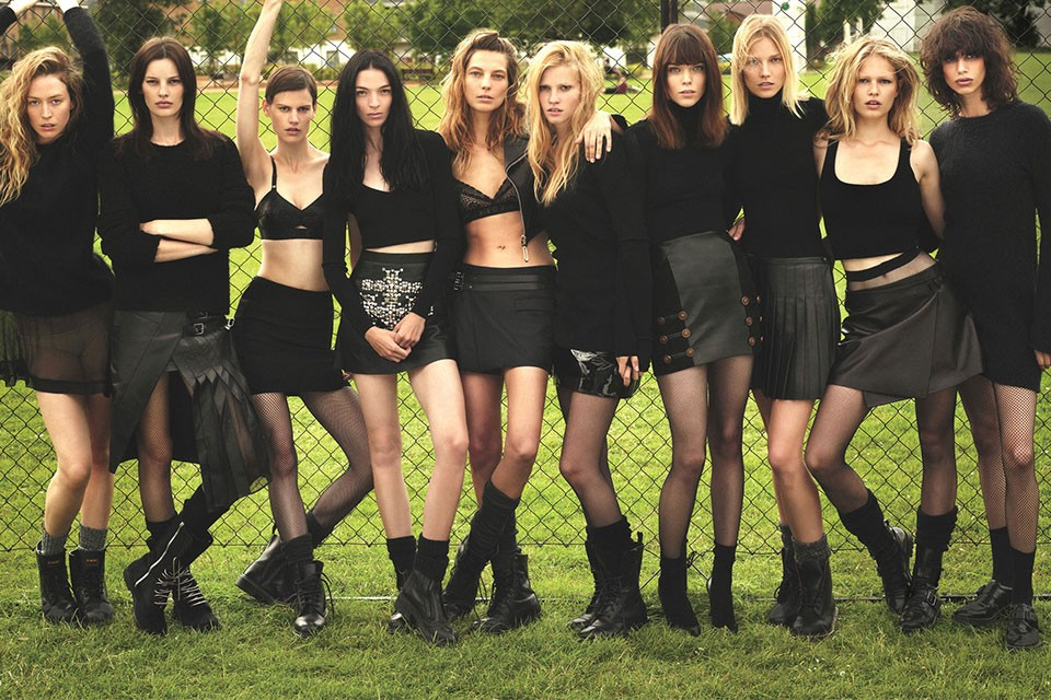 super-normal-super-models-by-mert-marcus-for-w-magazine-2