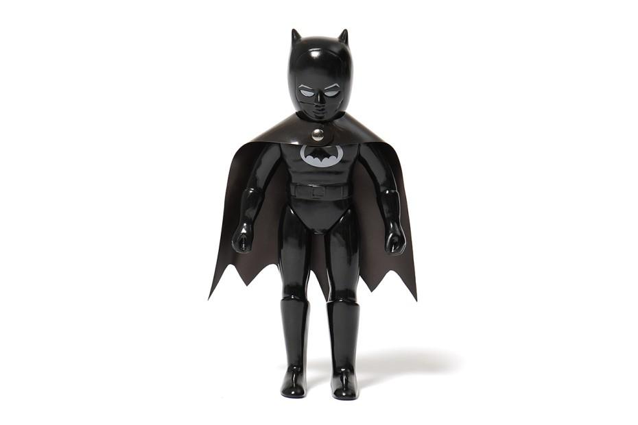 batman-x-robo-75th-anniversary-watch-toy-boxset-2