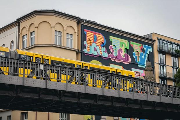 ben-eine-paints-mural-in-berlin-for-project-m-05-05