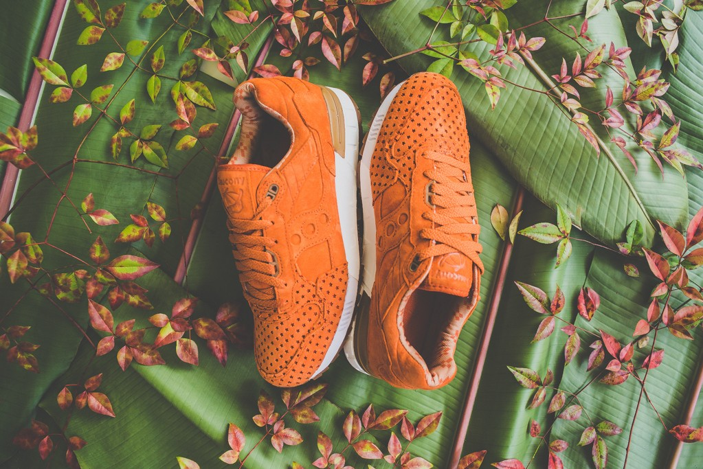 a-closer-look-at-the-play-cloths-x-saucony-shadow-5000-strange-fruit-orange-2