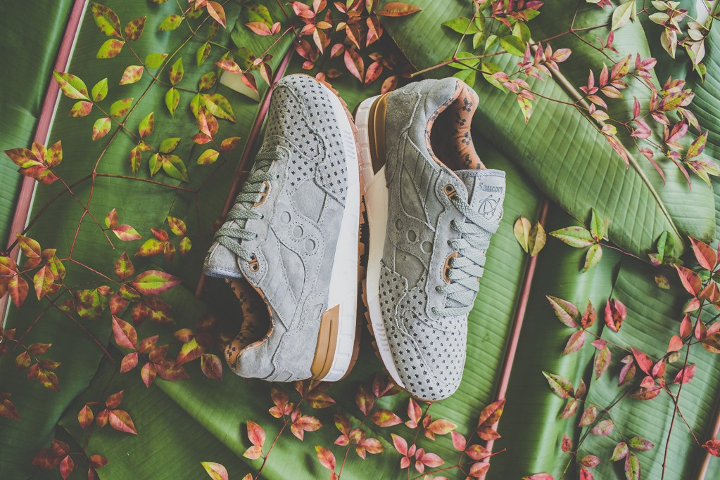 a-closer-look-at-the-play-cloths-x-saucony-shadow-5000-strange-fruit-orange-4