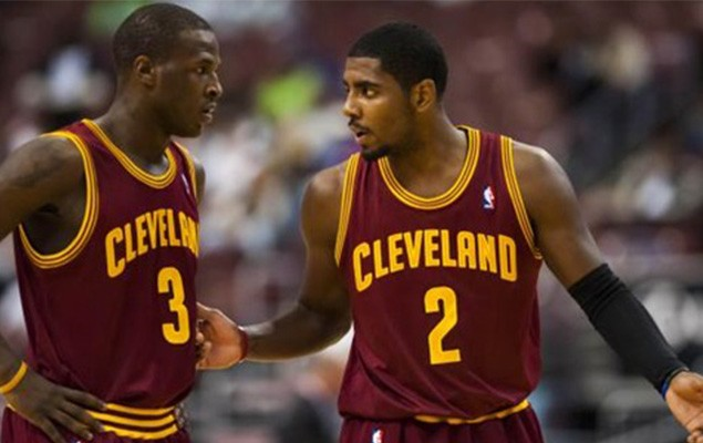 irving-and-waiters-1
