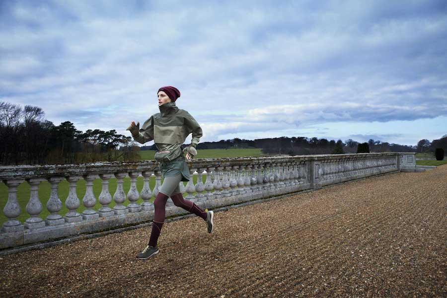 Run慢跑系列 慢跑防水罩衫$7,200_兩件式慢跑短褲$2,800_TECHFIT緊身長褲$4,200_毛線帽$1,400_慢跑腰包$2,200_已上市