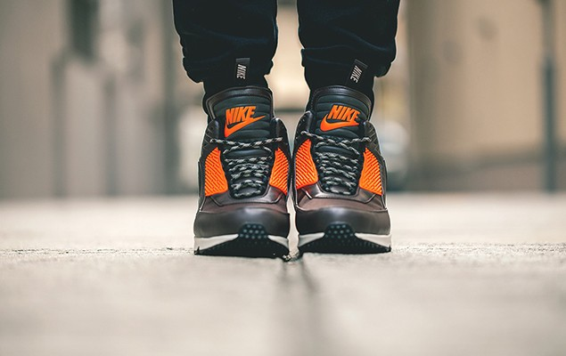 a-closer-look-at-nike-2014-holiday-air-max-90-sneakerboot-collection-2
