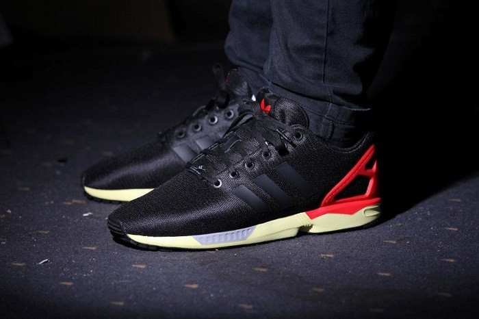 adidas-originals-zx-flux-core-blackred-01-960x640