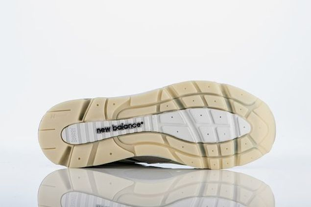 barneys-new-york-new-balance-1700_04