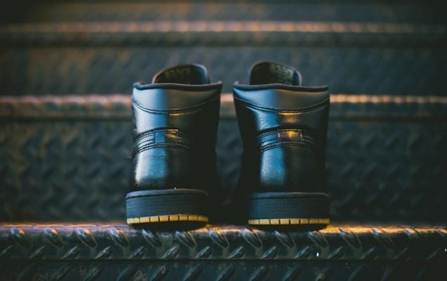 air-jordan-1-retro-og-black-black-gum-4