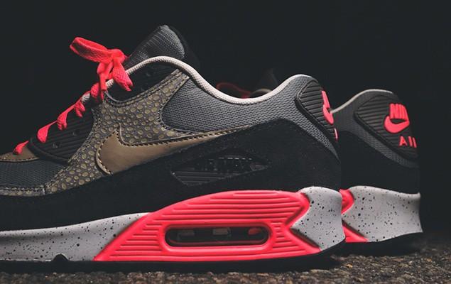 nike-sportswear-2014-holiday-safari-pack-air-max-90-95-huarache-02