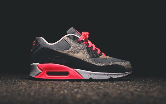 nike-sportswear-2014-holiday-safari-pack-air-max-90-95-huarache-01