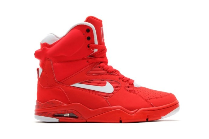 nike-air-command-force-university-red-white-black-wolf-grey-11
