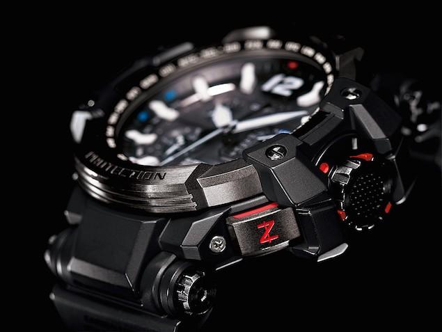 CASIO GPW-1000RAF-1A大型鍛造按鈕刻印Z字樣,長按3秒即可精準對時