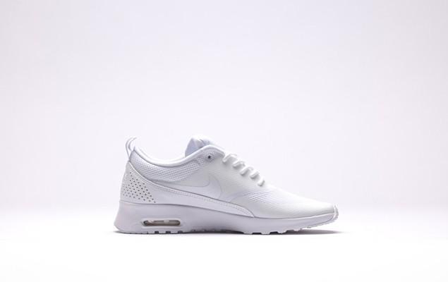 afew-store-sneaker-nike-wmns-air-max-thea-white-white-13