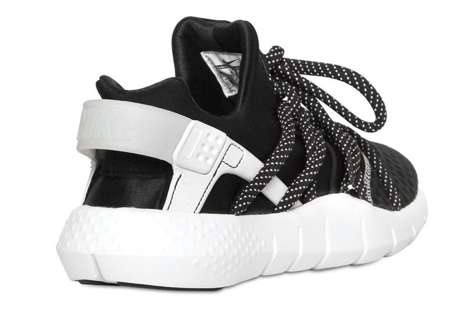 nike-huarache-free-run-black-white-3