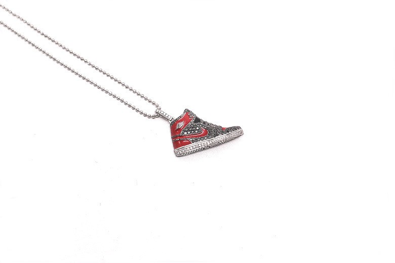 air-jordan-4-diamond-pendant-by-mr-flawless-4