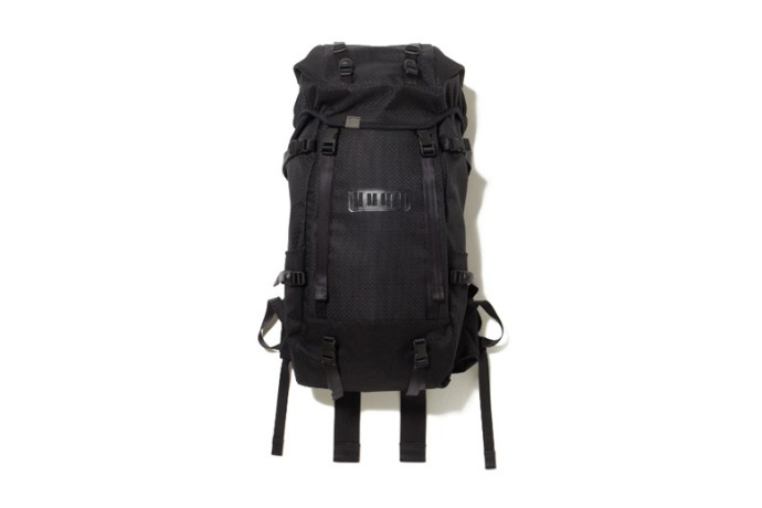 white-mountaineering-x-porter-2015-spring-summer-polyester-pvc-big-backpack-11