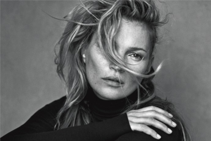kate-moss-appears-un-retouched-for-vogue-italia-by-peter-lidbergh-1