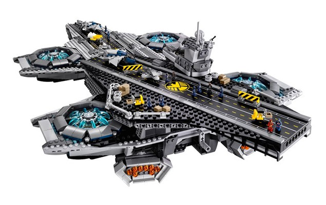 first-look-at-legos-s-h-i-e-l-d-helicarrier-set-01
