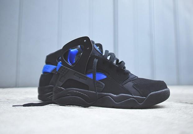 Nike-Air-Flight-Huarache-OG-black-lyon-blue-Available-3
