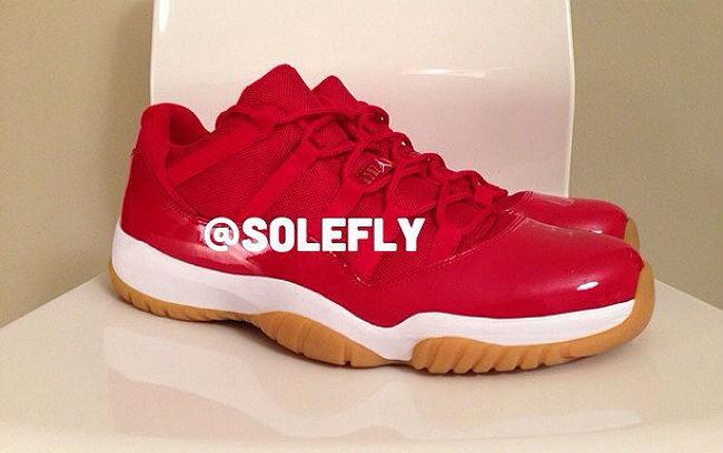 """Air Jordan 11 Low """"Red/Gum""""2013年"""
