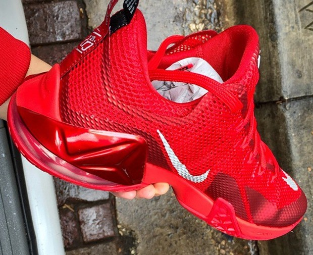nike-lebron-12-low-red-4