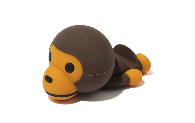 a-bathing-ape-x-candies-baby-milo-smartphone-stand-11