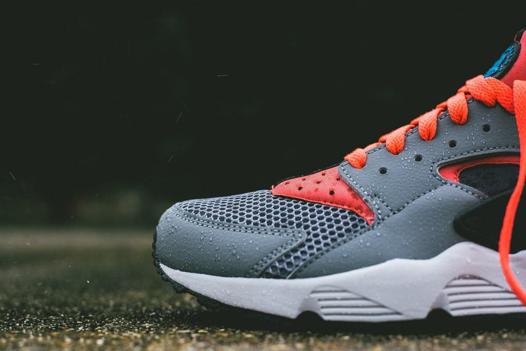 Nike_Air_Huarache_Grey_Infrared_1