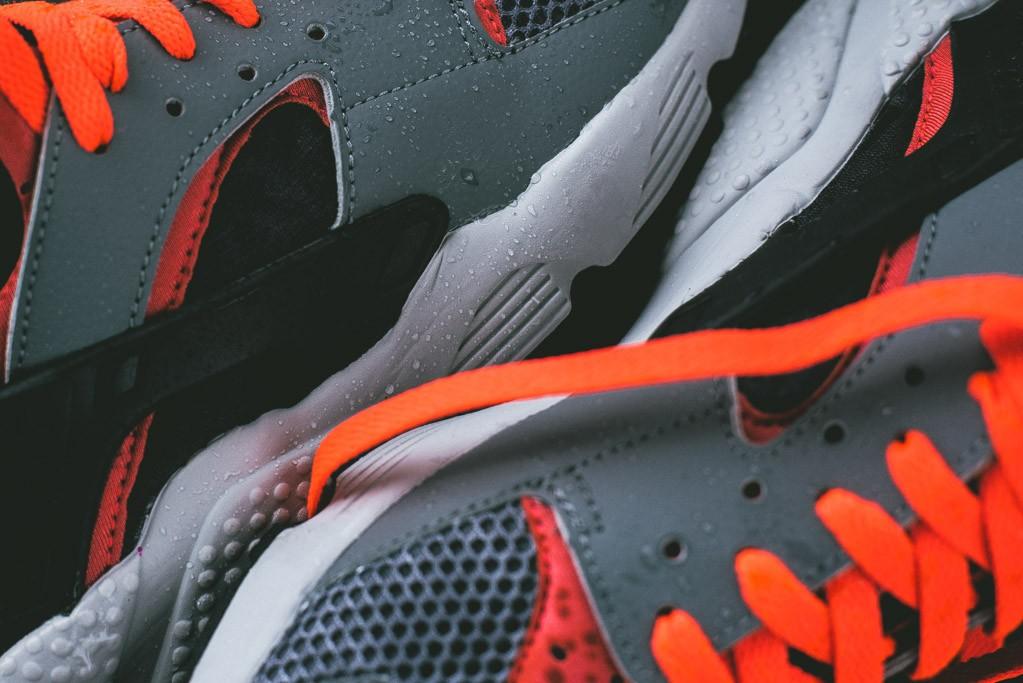 Nike_Air_Huarache_Grey_Infrared_4