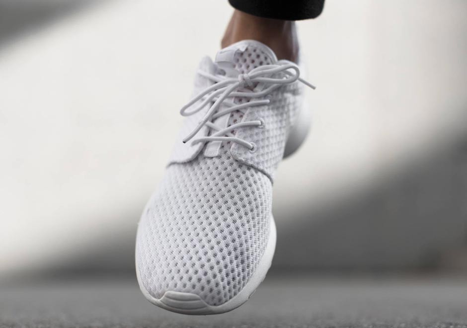 nike-roshe-run-breathe-white-wolf-grey-03