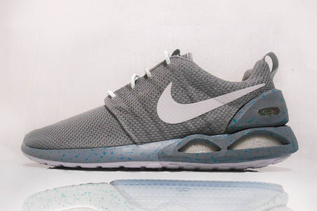 the-roshe-run-becomes-a-nike-air-mag-in-this-custom-job-11