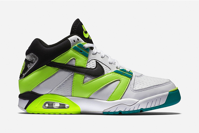nike-air-tech-challenge-iii-radiant-emerald-1