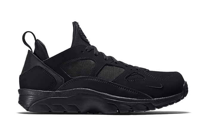 nike-air-trainer-huarache-low-triple-black-1