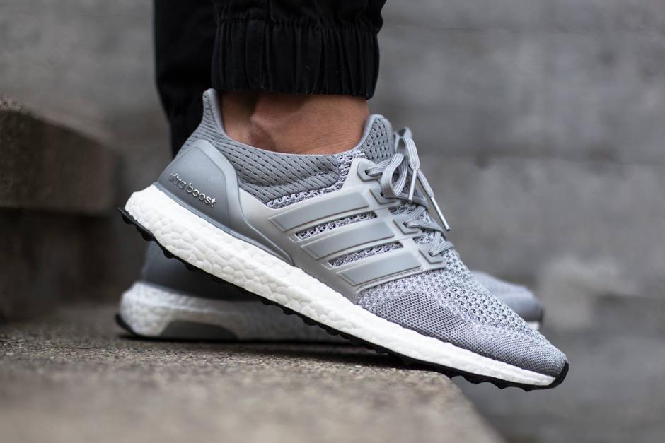adidas-ultra-boost-metallic-silver-01