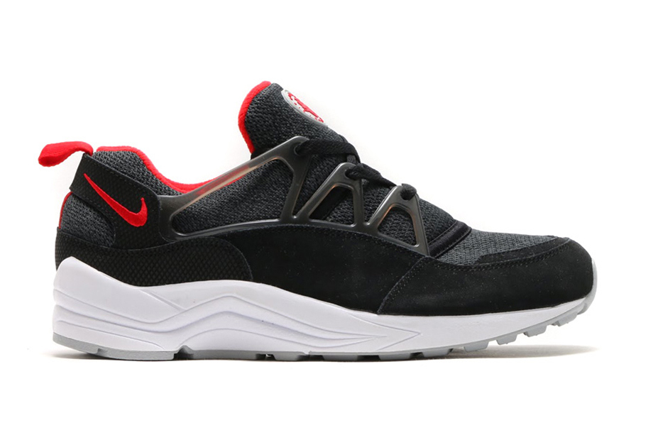 nike-air-huarache-light-black-university-red-wolf-grey-1