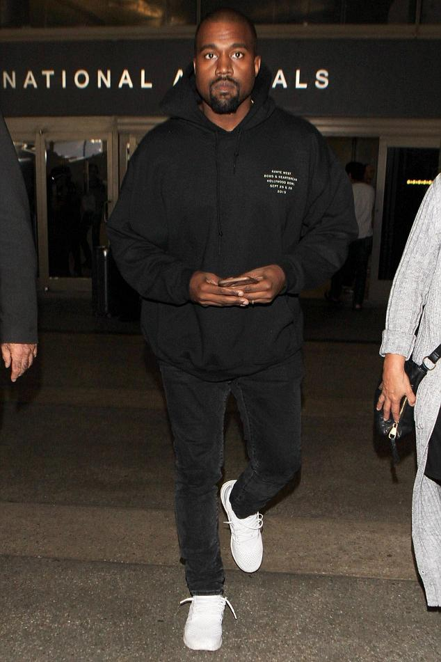 kanye-west-lax-airport-pic1115
