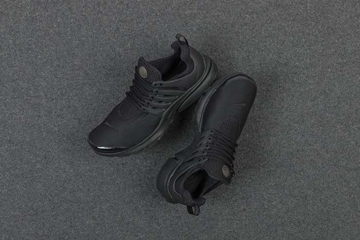 nike-air-presto-triple-black-1-1200x800
