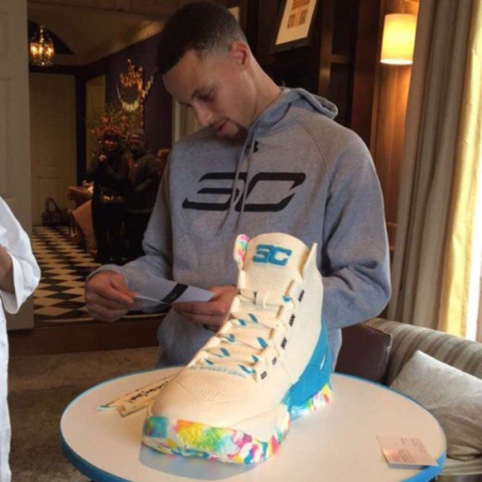 STEPH-CURRY-WITH-THE-CAKE-BOY-700x700