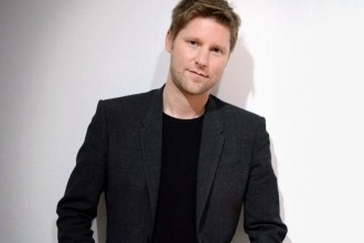 burberry-ceo-christopher-bailey-gets-75-pay-cut-01