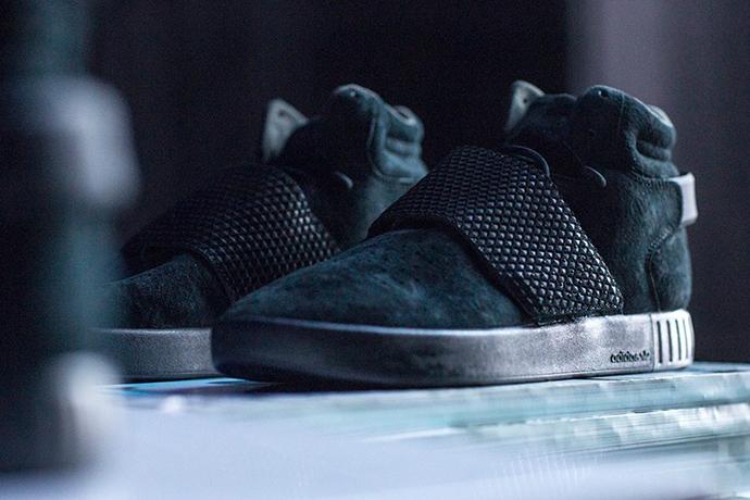 foot-locker-adidas-originals-tubular-invader-strap-black-1