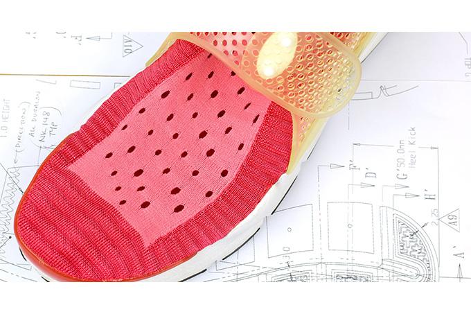_0005_sock-dart-behind-the-design-5_thread_des