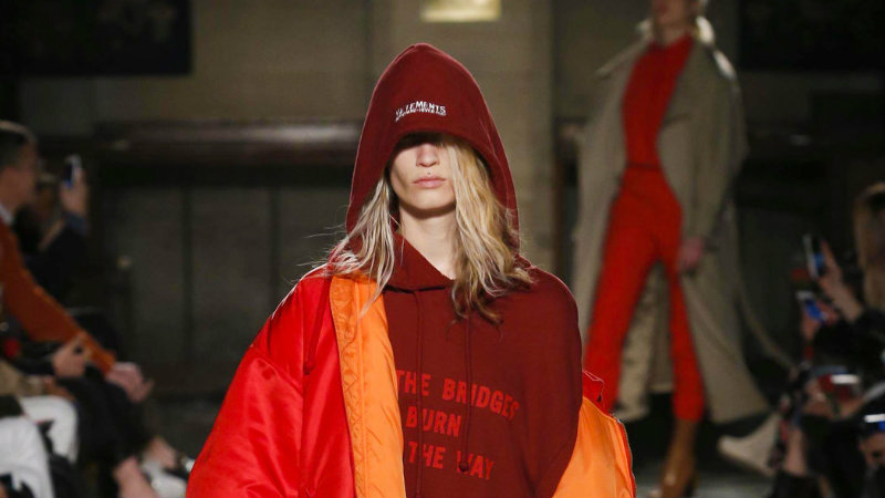 vetements-fall-2016-rtw-slide-4eq5-videosixteenbynine1050