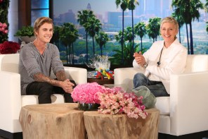 有膽在節目上秀肌肉,秀完順便公開 Justin Bieber 北美巡演!