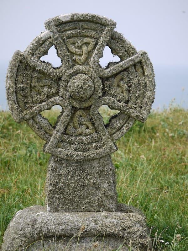 celtic cross irish symbol