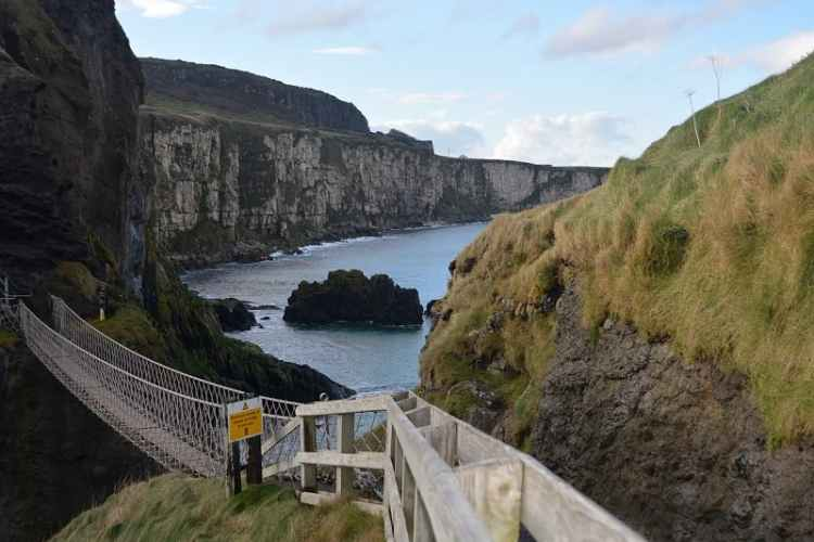 image of Carrick-a-Rede Rope Bridge