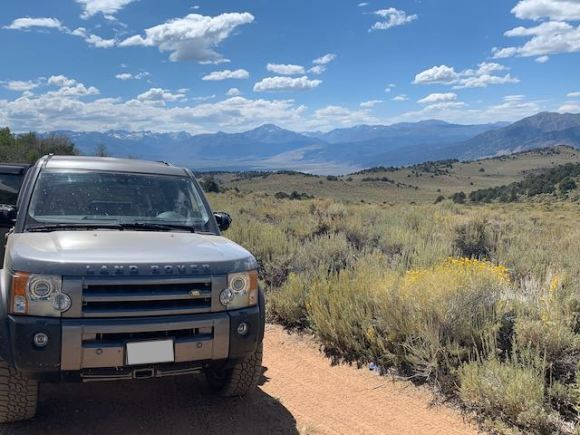 Land Rover LR3 overlanding in the Eastern Sierras