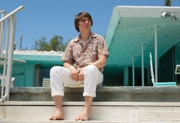 Love and Mercy Movie Review: Good Vibrations, Great Drama