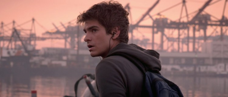 andrew-garfield-as-peter-parker-in-the-amazing