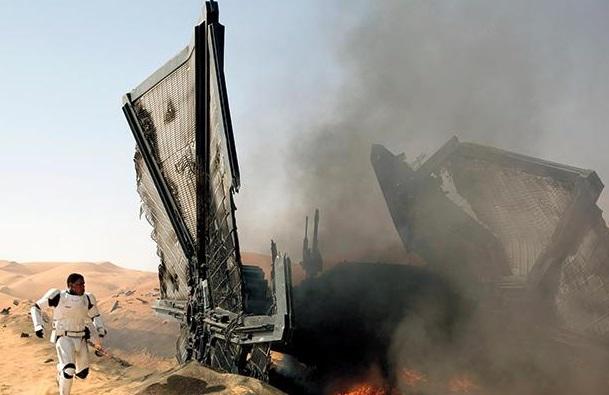 star-wars-the-force-awakens-finn-tie-fighter
